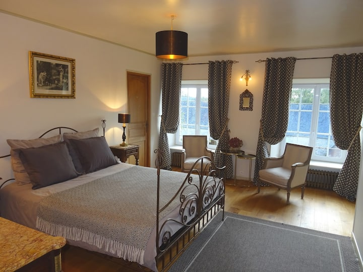 Double ensuite bedroom  in b&b  near d-day beaches