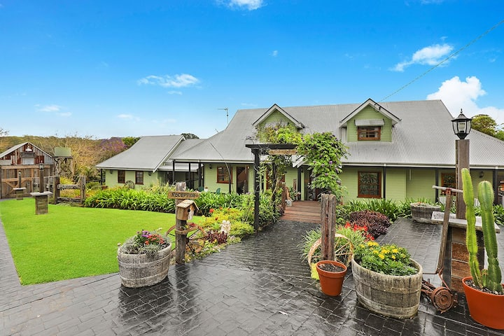 French Inspired Flaxton Vintage Views Homestead