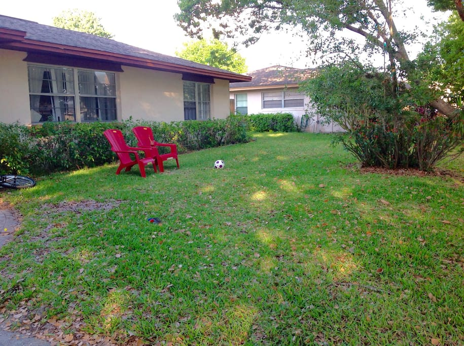 Universal location private bath houses for rent in for Bath house florida