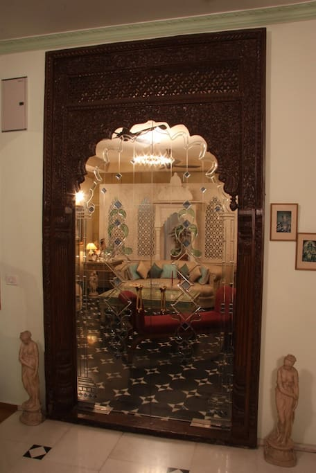 Entrance of Drawing Room