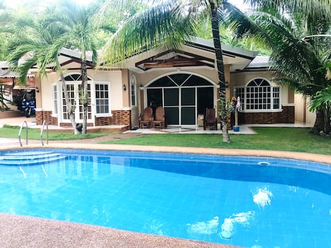 Marshall's vacation house with private pool