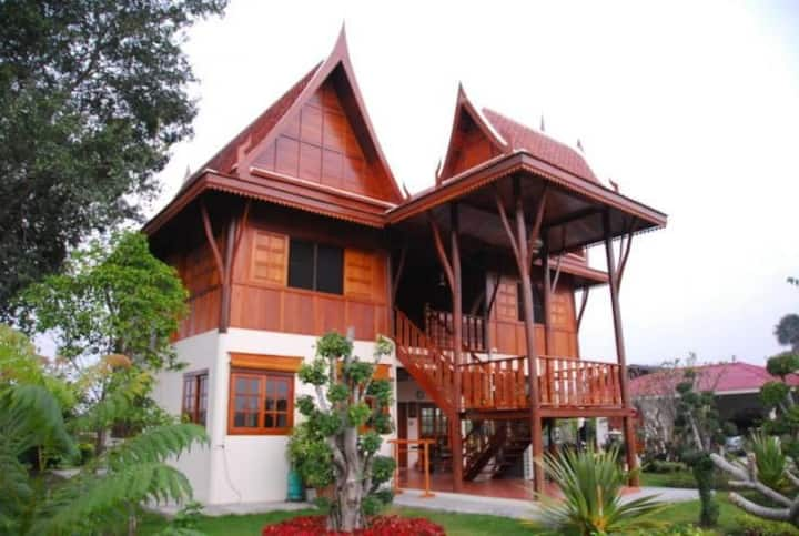 Thai style house near The river 3 bedroom
