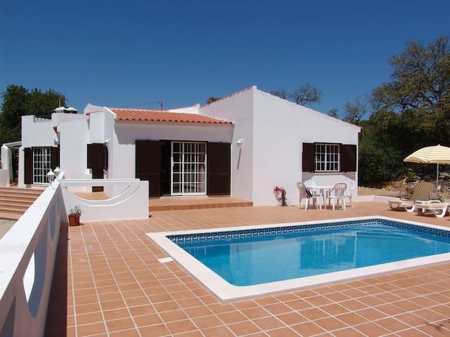 Casa Azinha - Santa Bárbara de Nexe - Vila