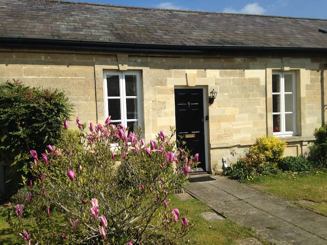Attactive Bath stone lodge conversion - Devizes - Devizes - Casa