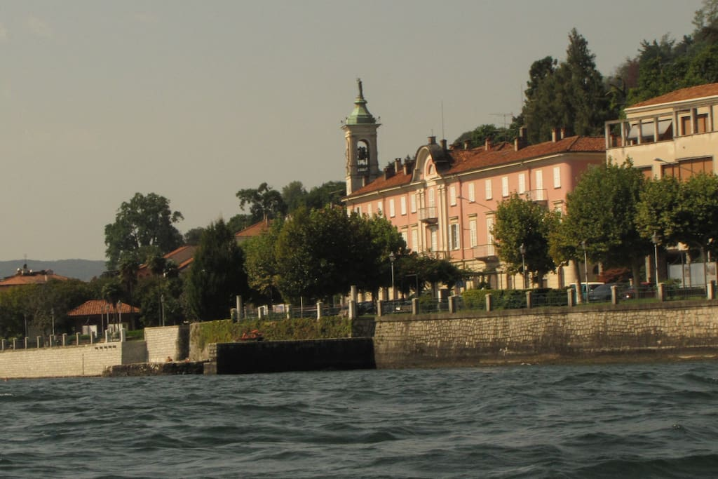 CasaMartelli from the Lake