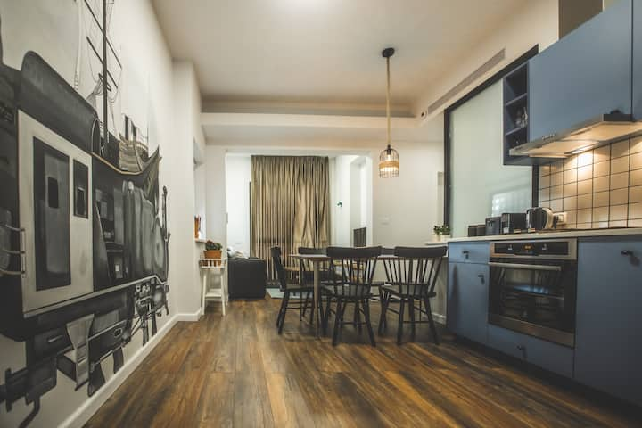 Carmel Boutique Apartments - Deluxe Apartment