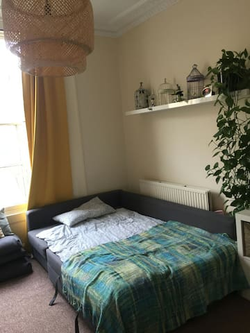 Spacious and bright room in central Hackney - Londres - Casa