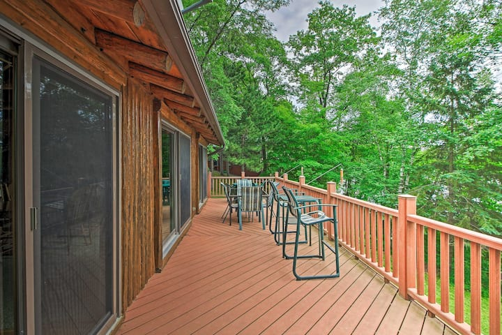 NEW! Lakefront Cabin w/ Dock, Canoe, 2-Story Deck!