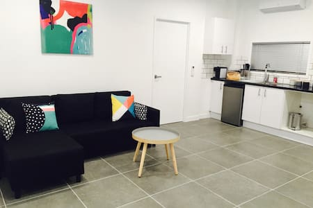 Brand new fully contained apartment - Upper Mount Gravatt