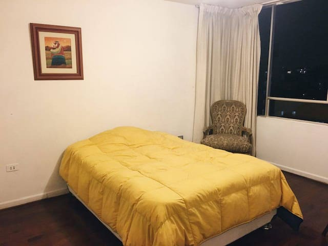 MIRAFLORES - Cozy and Big apartment - Miraflores - Pis