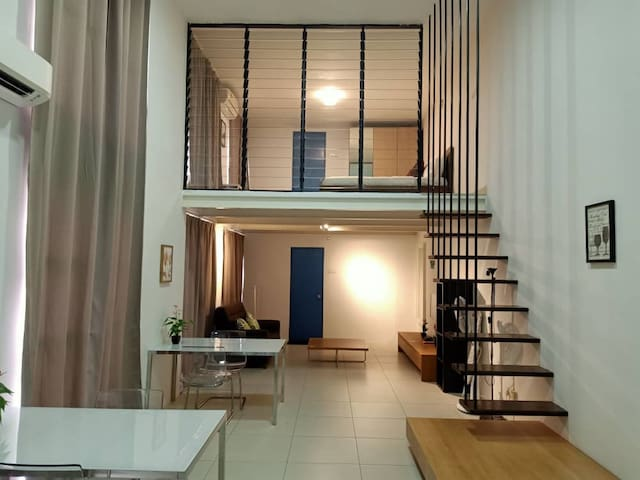 Empire City Colonial Loft homestay by Goopro