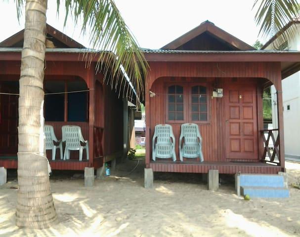 PERMAI CHALET TIOMAN - Mersing, Pahang, MY