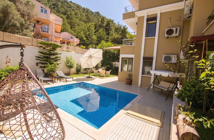 Great villa with pool in Marmaris, İçmeler