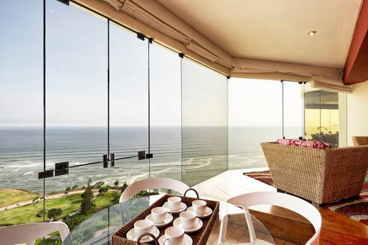 I15: Oceanfront condo with pool!!! - Miraflores District - Apartment