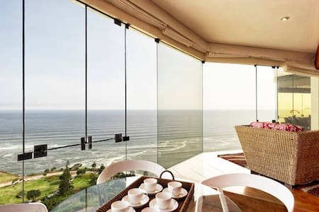 I15: Oceanfront condo with pool!!! - Miraflores District