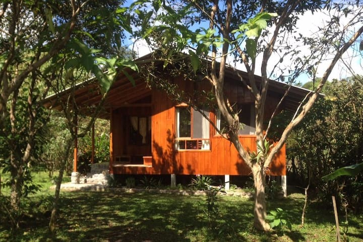 Casita de madera (Two bedrooms)- Mindo - Mindo - Cottage
