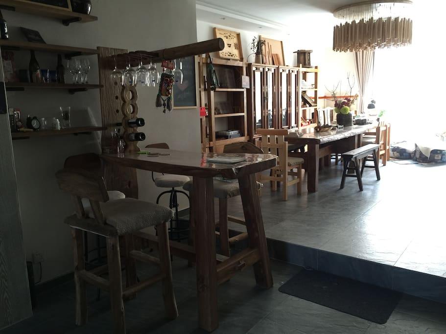 客厅 入户-原生态老榆木吧台-榆木长桌