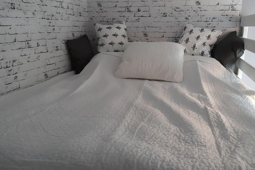 Antresola - łóżko 160 cm x 200 cm