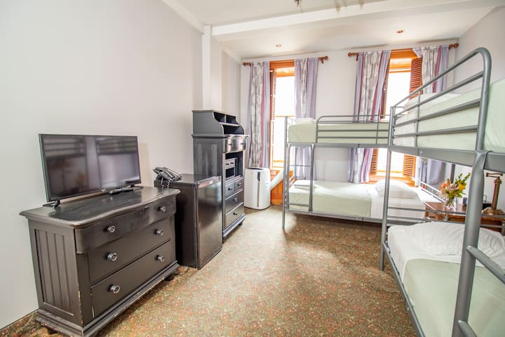 ★Quadruple Room (2 bunk beds),City View★