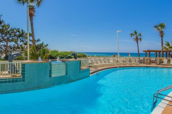 Amazing Resort Condo in Destin with Great Views