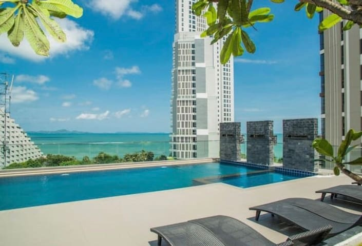 Pattaya Serenity Condo Wongamat Sea View :Room 503