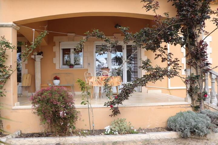 Gîte en Provence (GÎTE EN PROVENCE **)