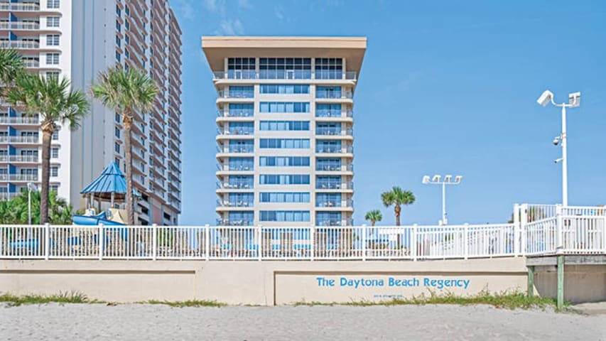 Two Bedroom Luxury Condo, Daytona Beach  (A160)