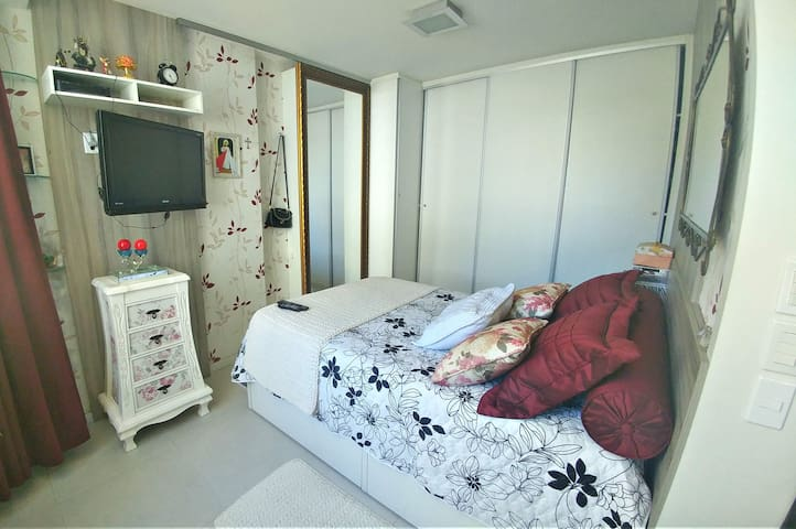 Apartamento Loft COM garagem / Wifi (praia 300m)