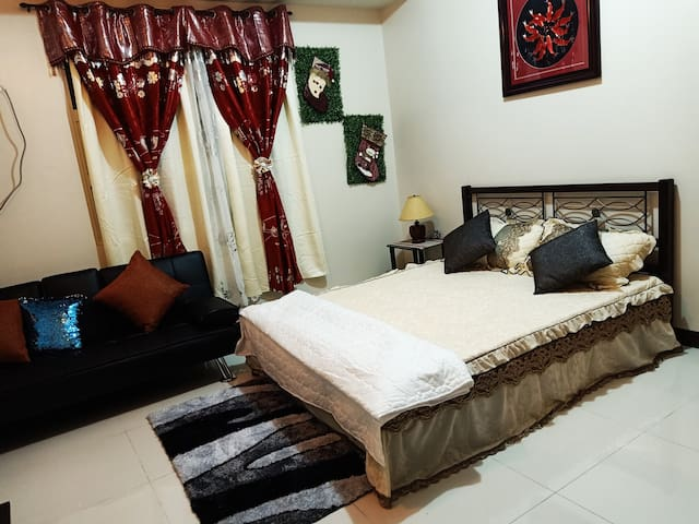 studio unit near airport and resorts world manila