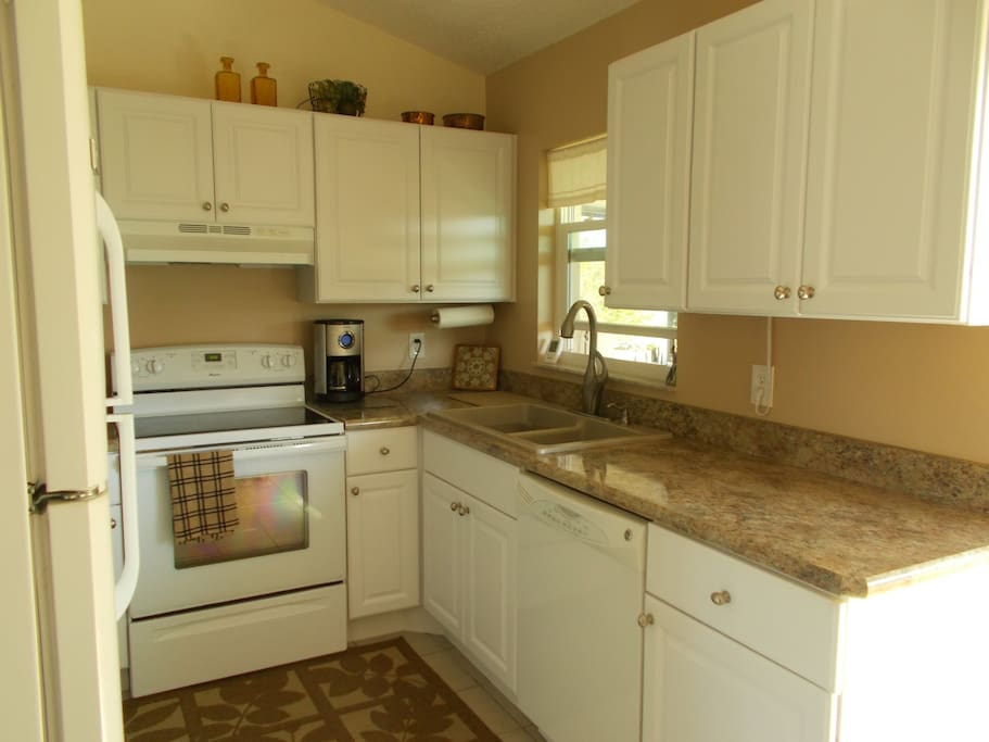 Newly Remodeled kitchen with dishwasher and microwave