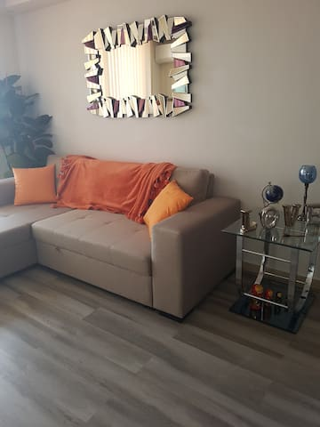 Brand New Apartment 10 minutes to Airport