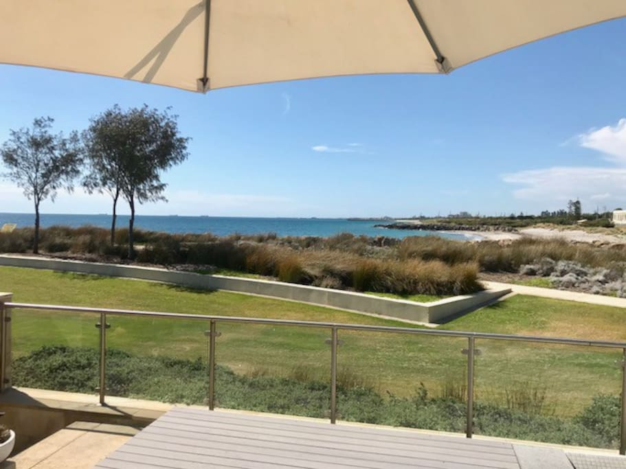 This is a unique spot you will not find another property in Perth/Fremantle like it.  You and the beach