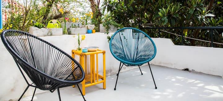 Studio Daisy: Villa with sun deck 5 min to centre