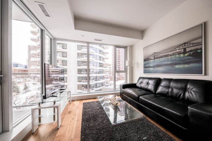 ★ Urban Condo ❤️ of Calgary DT/LRT/Rivers/Views ★