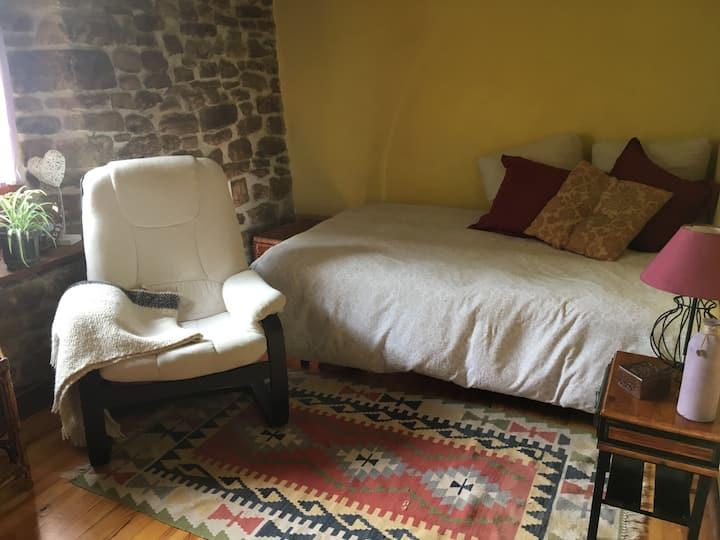 Preciosa habitación en casa de pueblo