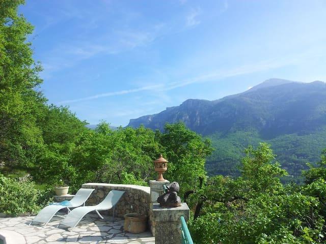 Villa panoramique avec piscine - Le Bar-sur-Loup - 度假屋