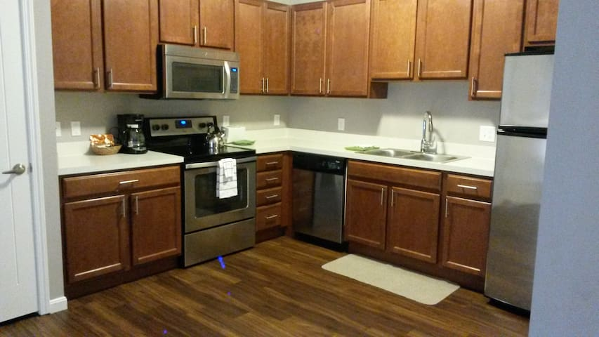 Rare Find in NEW ALBANY! Chic-New- - New Albany - Appartement