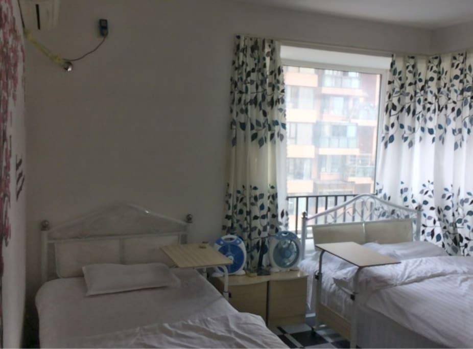 1.2米 ️ + 1.5米 ️ in one private room