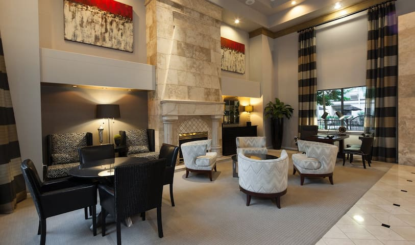 Happy New Year Deal! 1 Bed in Galleria