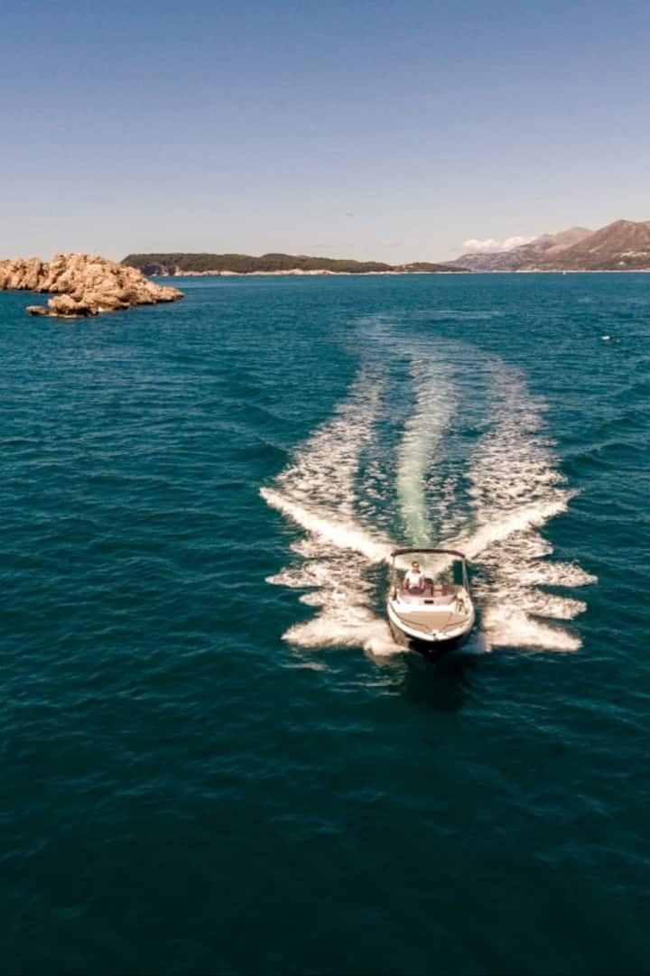 Grebeni rocks with Taranto wreck