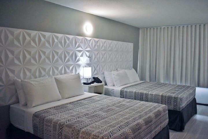 Beautiful hotel room near Disney and Universal