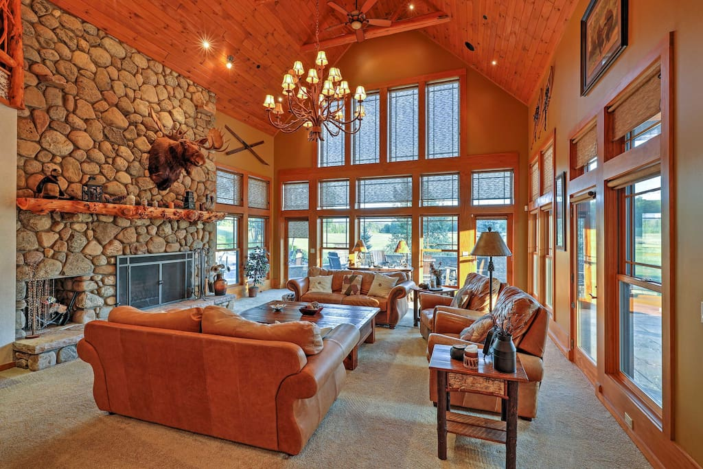 The vaulted ceilings and abundance of natural light create the optimal ambiance.
