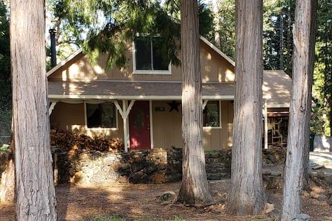 Quaint Cabin in Lassen Nat. Forest Shingletown CA