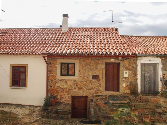 Casa Ti Manel - Penha Garcia - Rumah