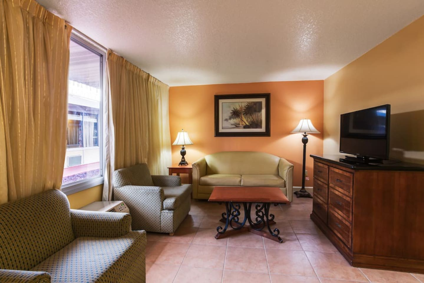 """Spacious and comfortable living room with 40"""" LCD TV including HBO and Spanish Language channels"""