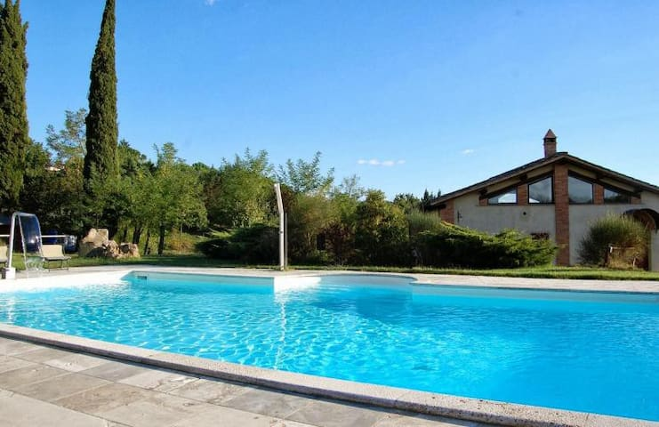 Beautiful holiday home with private lawn and pool - Rapolano Terme - Dom
