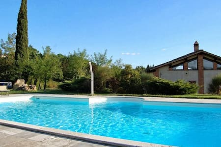 Beautiful holiday home with private lawn and pool - Rapolano Terme