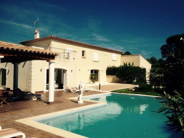 Suite 30m2 + sdb séparée dans villa - Grimaud - Casa