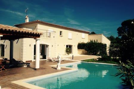 Suite 30m2 + sdb séparée dans villa - Grimaud