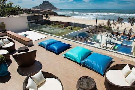 Quer montanha, mar, piscina, clube na praia? VEM!